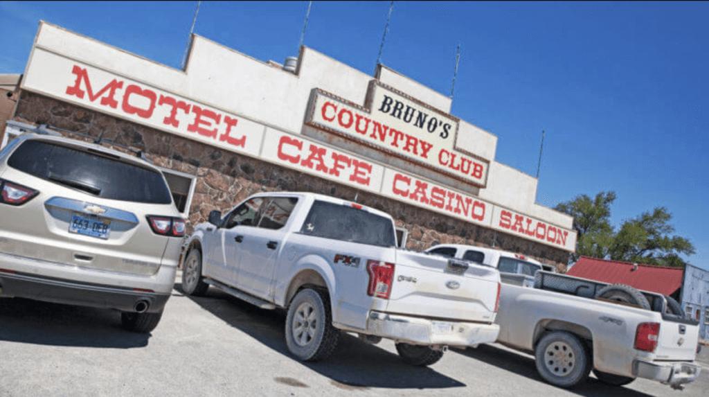 Bruno's Country Club & Motel